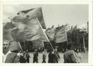 May 1966 - PEKING - The beginning of the Cultural Revolution - people coming in from communes_CROPPED